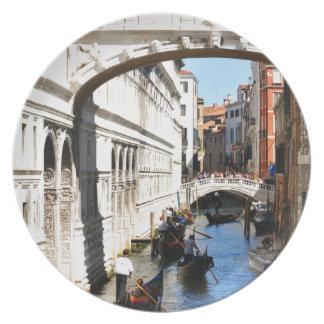 Bridge in Venice, Italy Plate