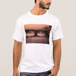 Bridges over the Arno River at sunset, 2 T-Shirt