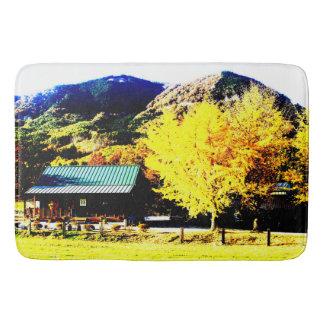 Bright autumnal weather* At Kubo agurihuamu* Bathroom Mat