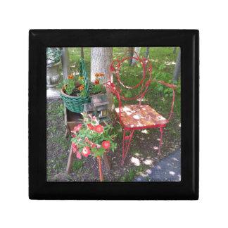 Bright orange garden chair gift box