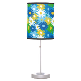 Bright spring daisies table lamp