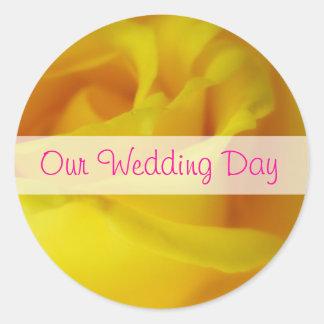 Bright Yellow Glowing Rose Wedding Classic Round Sticker
