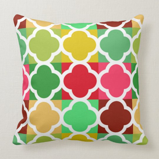 Brightly coloured Quilt style Quatrefoil patterns Throw Pillow