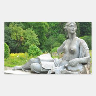 Bronze statue depicting woman