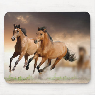 Brown Horse run - freedom Mouse Pad
