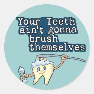 Brush your teeth! round sticker