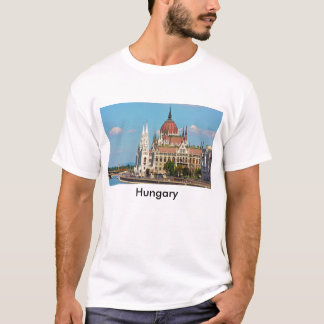 Budapest, the building of the Parliament, Hungary T-Shirt