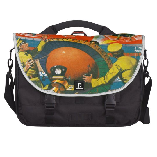 Bug Eyed Aliens in Capes Laptop Shoulder Bag