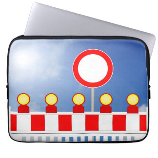 Building site closing and passage forbade Schil Laptop Sleeve