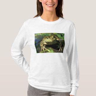 Bull frog. T-Shirt
