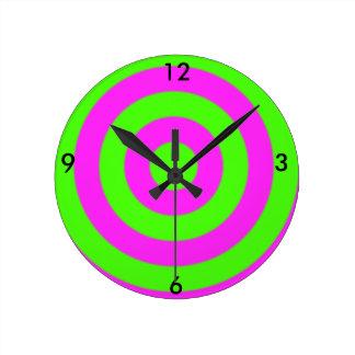 Bull's Eye Round Clock