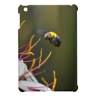 BUMBLE BEE QUEENSLAND AUSTRALIA iPad MINI COVERS