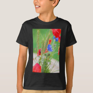 Bunch of of red poppies, cornflowers and ears T-Shirt