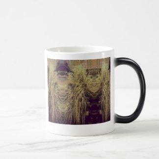Bush People 11 Oz Magic Heat Color-Changing Coffee Mug