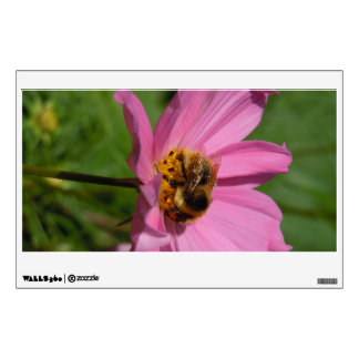 Busy Bee on Cosmo Wall Sticker