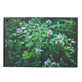 Butterfly on the wild flowers powis iPad air 2 case