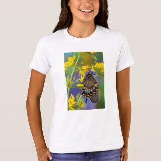 Butterfly profile on yellow flower T-Shirt