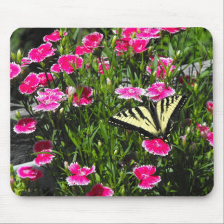 Butterfy Flowers Mouse Pad