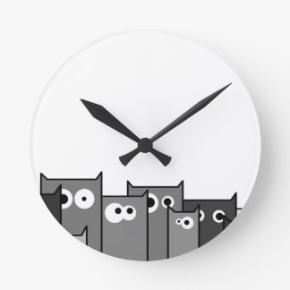 bw cats round clock