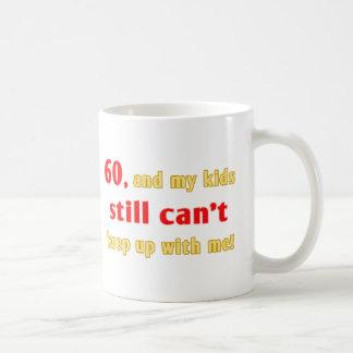 Cadeau de bâillon de 60 ans tasses