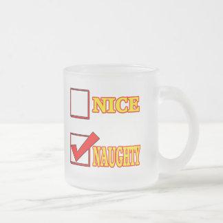 Cadeaux drôles vilains gentils de T-shirts Mug En Verre Givré
