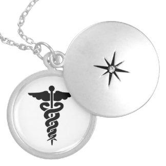 Caducée médical de symbole d'infirmières médaillon rond