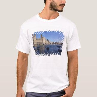 Caernarfon Castle, Gwynedd, Wales 2 T-Shirt