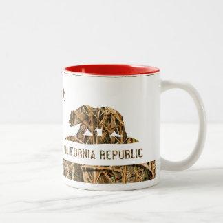 California Republic Camo 2 Two-Tone Coffee Mug