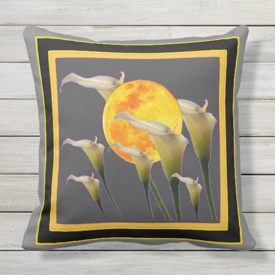 Calla Lilies Harvest Moon Pattern Throw Pillow