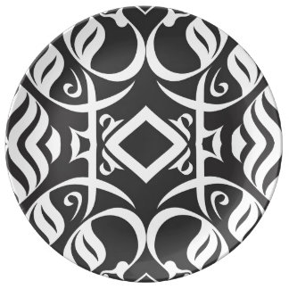Calligraphic Dinnerplate in Black and White Plate