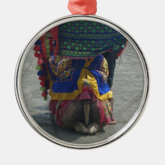Camel on the toes.png Silver-Colored round ornament