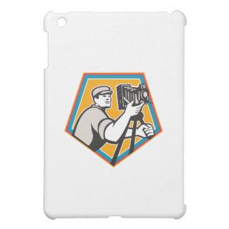 Cameraman Vintage Movie Film Camera Crest Retro iPad Mini Case