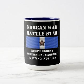 Campagne coréenne du nord d'agression mug bicolore