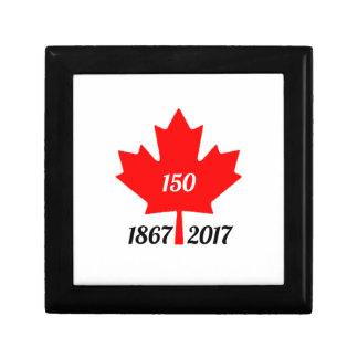 Canada 150 in 2017 maple leaf gift box
