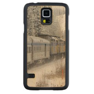 Canada, Alberta. VIA Rail Snow Train between Carved® Maple Galaxy S5 Slim Case