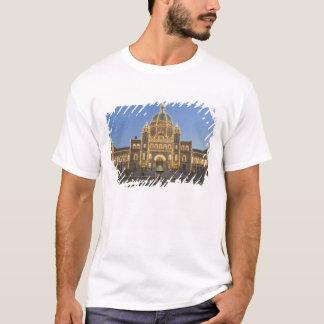 Canada, BC, Victoria, BC Legislature Building at T-Shirt