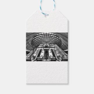 canary wharf tube station gift tags