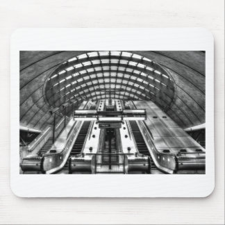 canary wharf tube station mouse pad