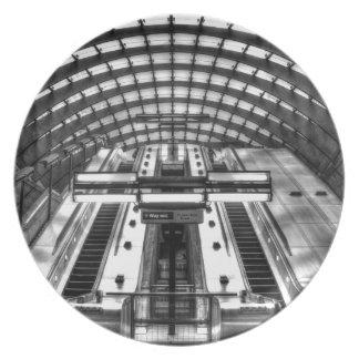 canary wharf tube station plate
