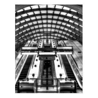 canary wharf tube station postcard