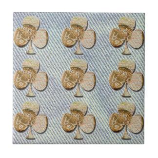 Canvas clover tile