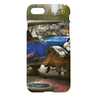 Car Accident - It came out of nowhere 1926 iPhone 7 Case