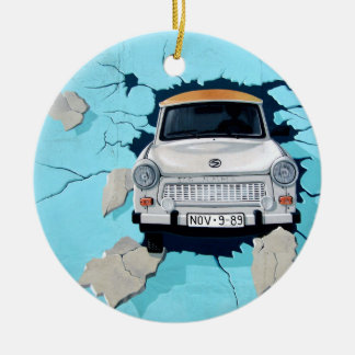 Car crosses a wall ceramic ornament