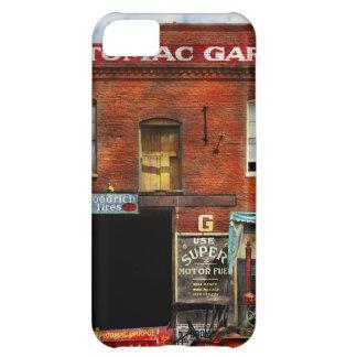 Car - Garage - Misfit Garage 1922 iPhone 5C Covers