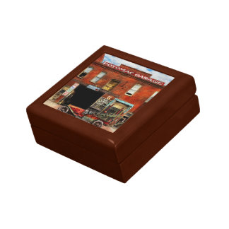 Car - Garage - Misfit Garage 1922 Keepsake Box