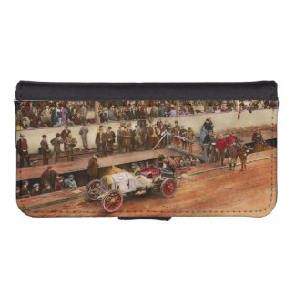 Car Race - Racing to get gas 1908 iPhone SE/5/5s Wallet Case