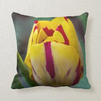 Carreau de tulipe de ressort oreiller