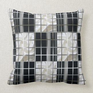 Carreau noir et blanc d'argent de damier oreiller