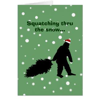 Carte de Noël drôle de Sasquatch tirant l'arbre