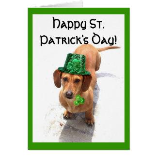 Carte de voeux de teckel du jour de St Patrick heu